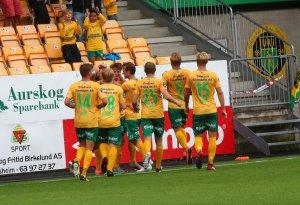 Jubel etter en av Kristoffer Ødemarksbakkens to scoringer i 3-3-kampen mot Sandnes Ulf.