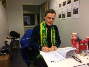 Ole Andreas Nesset signerte en toårskontrakt med Ull/Kisa Fotball onsdag.