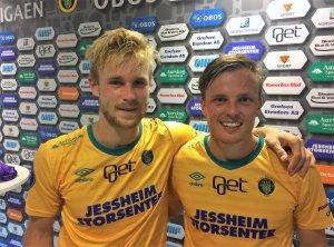 Mats-Andre Kaland (t.v.) og Ole Andreas Nesset scoret målene i 2-0-seieren over Elverum.