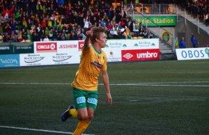 Niklas Sandberg jubler etter sin 2-1-scoring mot Levanger.