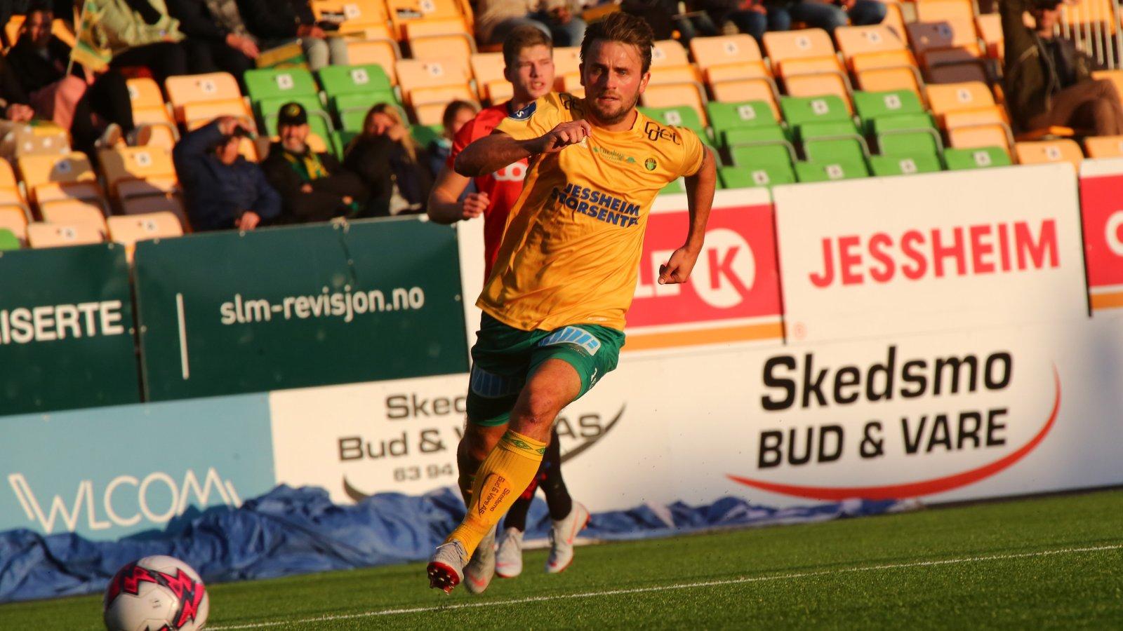 Martin Trøen på vei fremover mot Åsane.