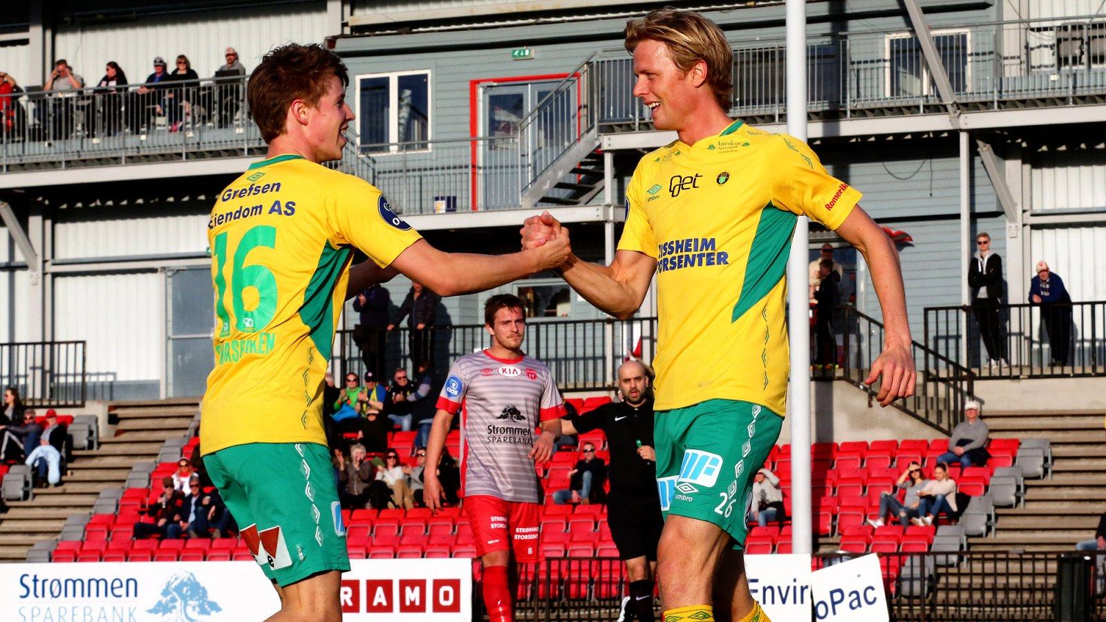 MATCHVINNERE: Kristoffer Ødemarksbakken (t.v.) og Andreas Aalbu scoret hvert sitt mål mot Arendal.