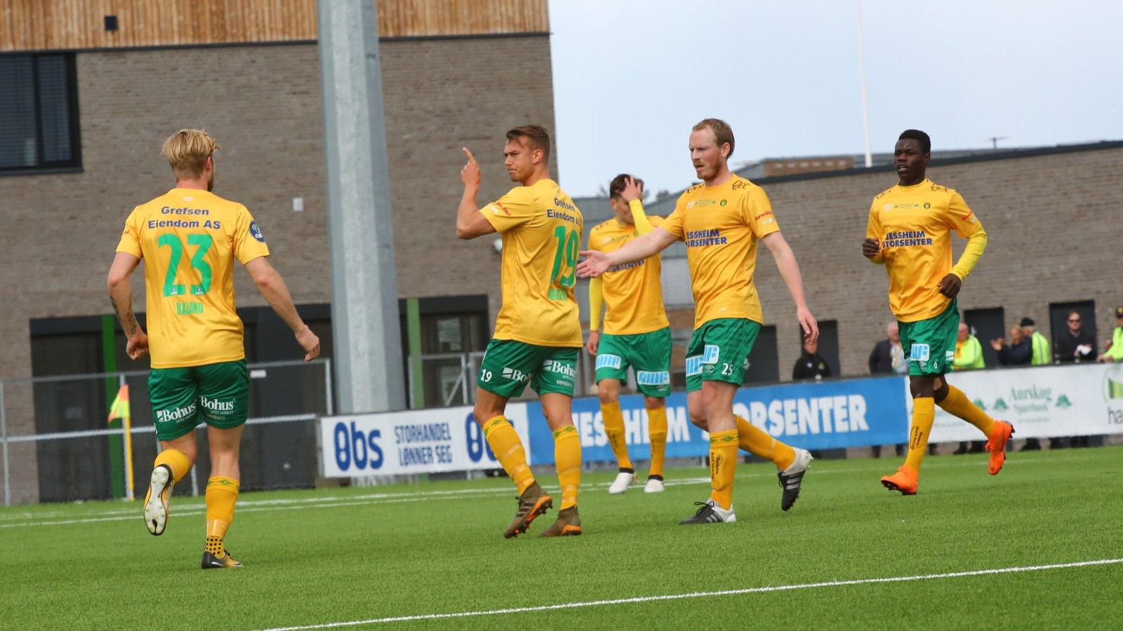 Kristoffer Normann Hansen feirer etter sitt 1-3-mål.