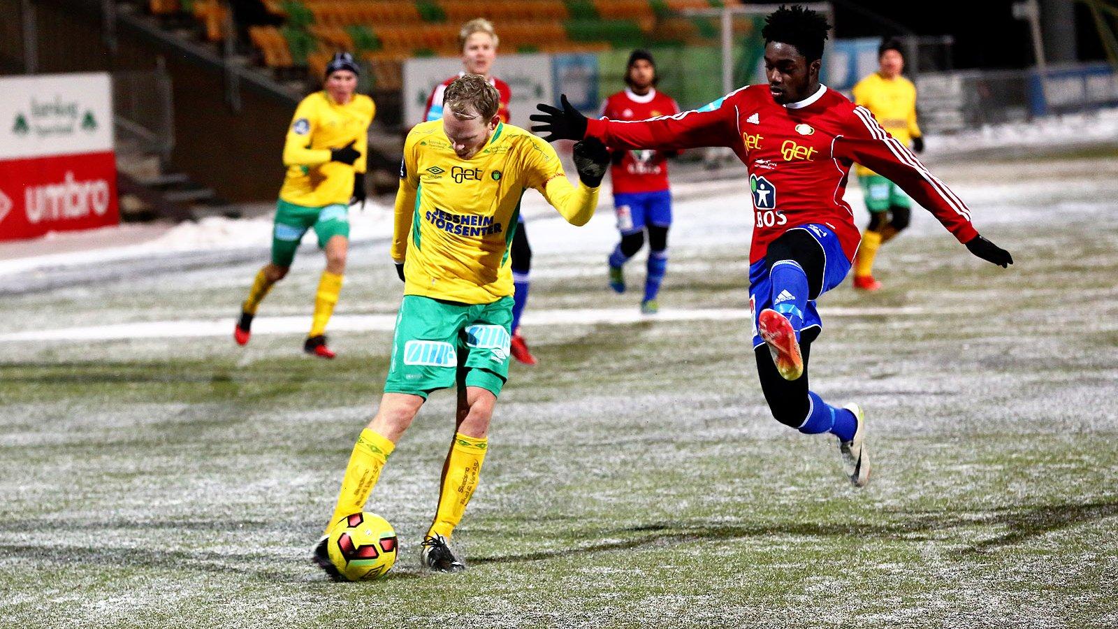 Sverre Martin Torp (t.v.) mot Skeid.
