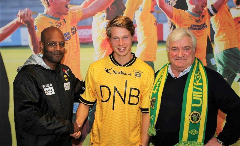 LSK-sportssjef Simon Mesfin (t.v.), Kristoffer Ødemarksbakken og Cato Strømberg.