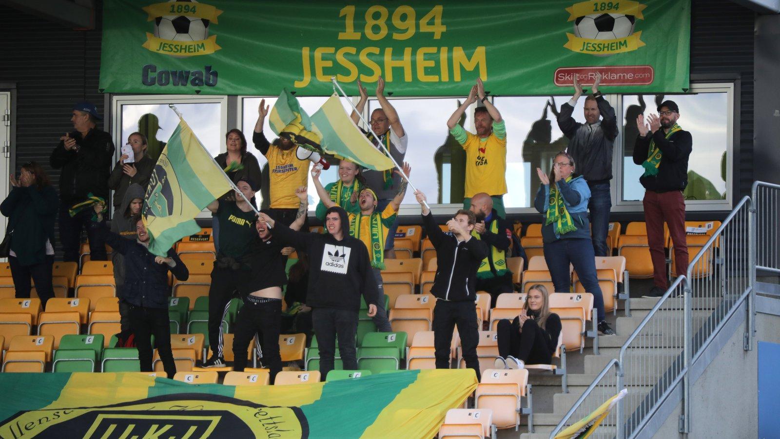 1894 Jessheim skapte bra liv fra sine plasser på Jessheim stadion.
