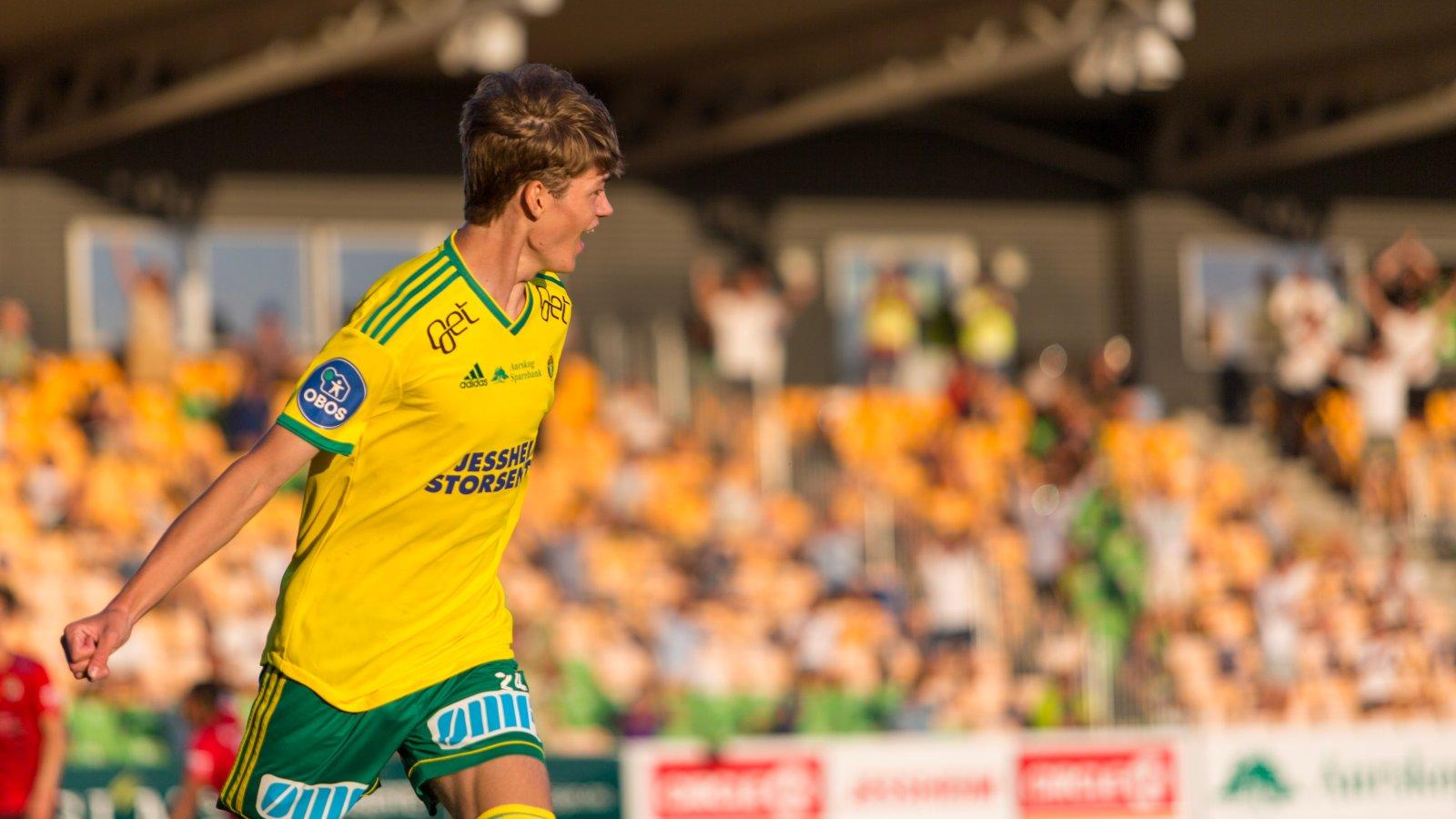 Elias Sebastian Solberg fikk sin drømmedebut for Ull/Kisas A-lag med sin matchvinner-scoring rett før slutt. FOTO: Inge André Selnes
